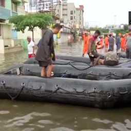 Gujarat police constable carried two children on his shoulders for over 1.5 km in flood waters