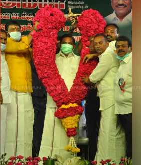 admk celebrates mgr birthday
