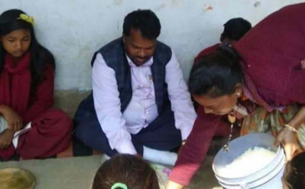 jharkhand minister shocked by the answers given by school students
