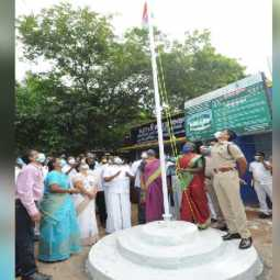 thiruvallur district panchayat president flag collector, police commissioner