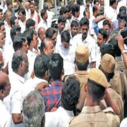 AMMK - AIADMK clash in cooperative credit union election; Exciting Kumbakonam!