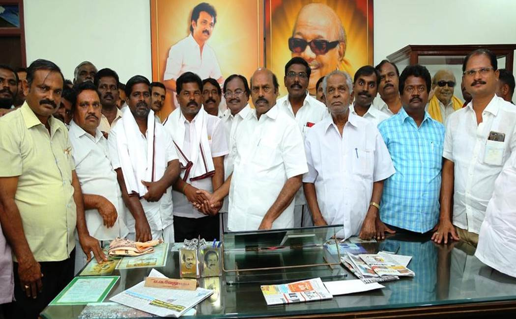 AIADMK, Independent Councilors jump to DMK
