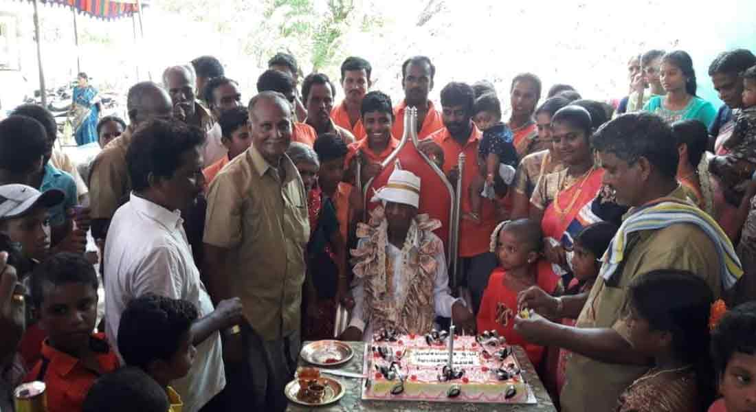 100 years old farmer celebrate birthday with family