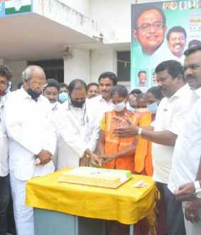 p.chidambaram's birthday celebration in sathyamoorthi bhavan