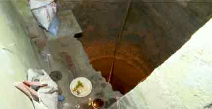 25 feet deep Pit in the middle of the house in Chennai...