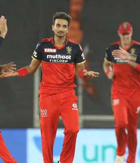 royal challengers bangalore vs delhi capitals teams ipl match