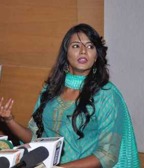actress meera mitun press meet issue police