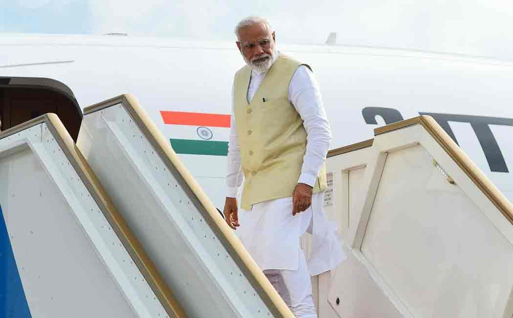 pakistan allows modis flight to fly through thier region