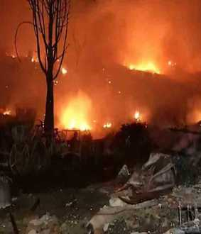 fire accident in delhi slum area
