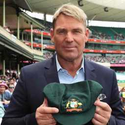 shane warne baggy green auctioned for australian bushfire funding