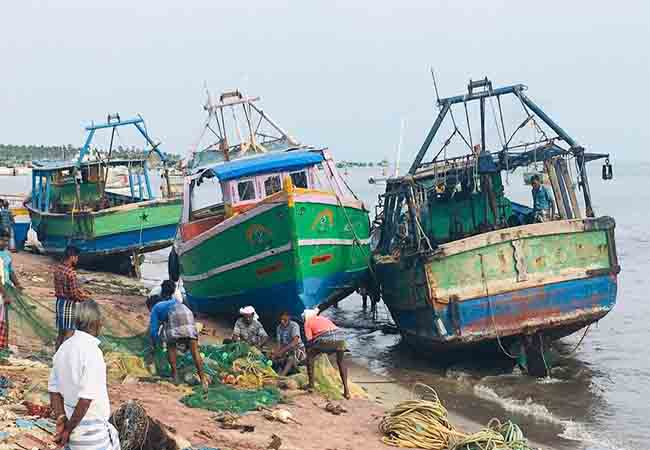 cyclone forming sea rameshwaram district fishermen's boats
