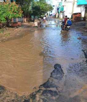 damaged roads in chidambaram
