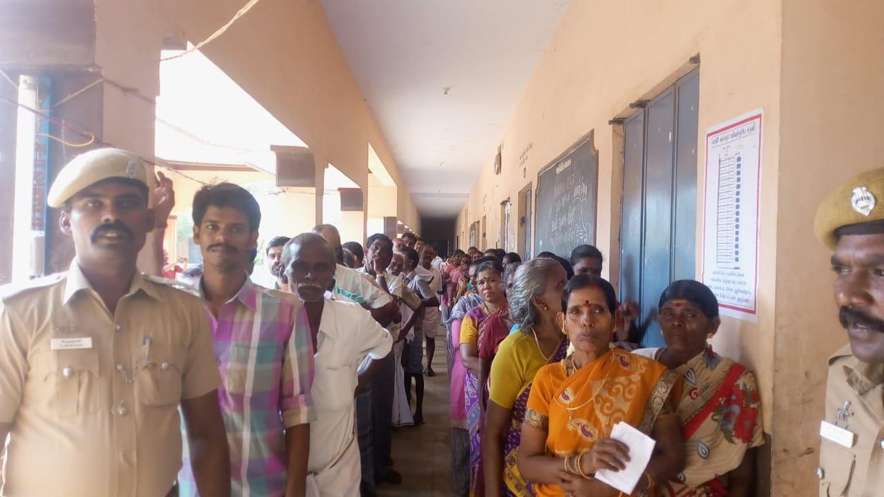 Re polling with heavy police protection in Periyakulam Andipatti