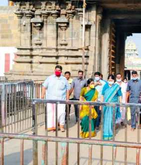 Sasikala visited the temple where Jayalalithaa did special worship in 1991