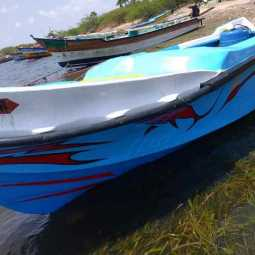 Sri Lankan boat stranded without man ...