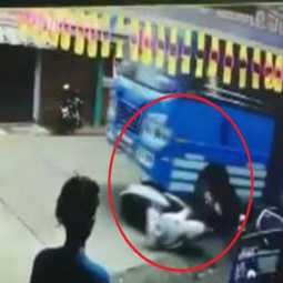 kerala private bus and two wheeler incident peoples shock viral video