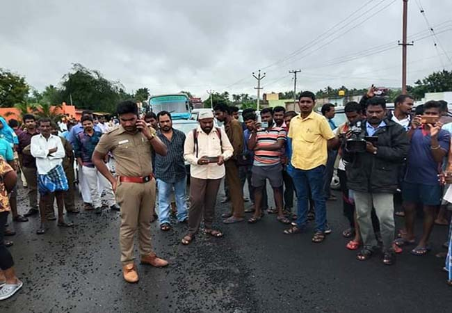 new road damaged peoples compalint in mla and strike vellore