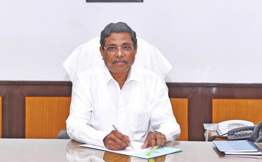 chief secretary shanmugan write to the letter government employees