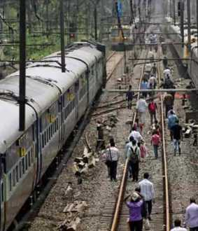4 Train Passengers On Kerala Express passed away Due To Heat In Jhansi