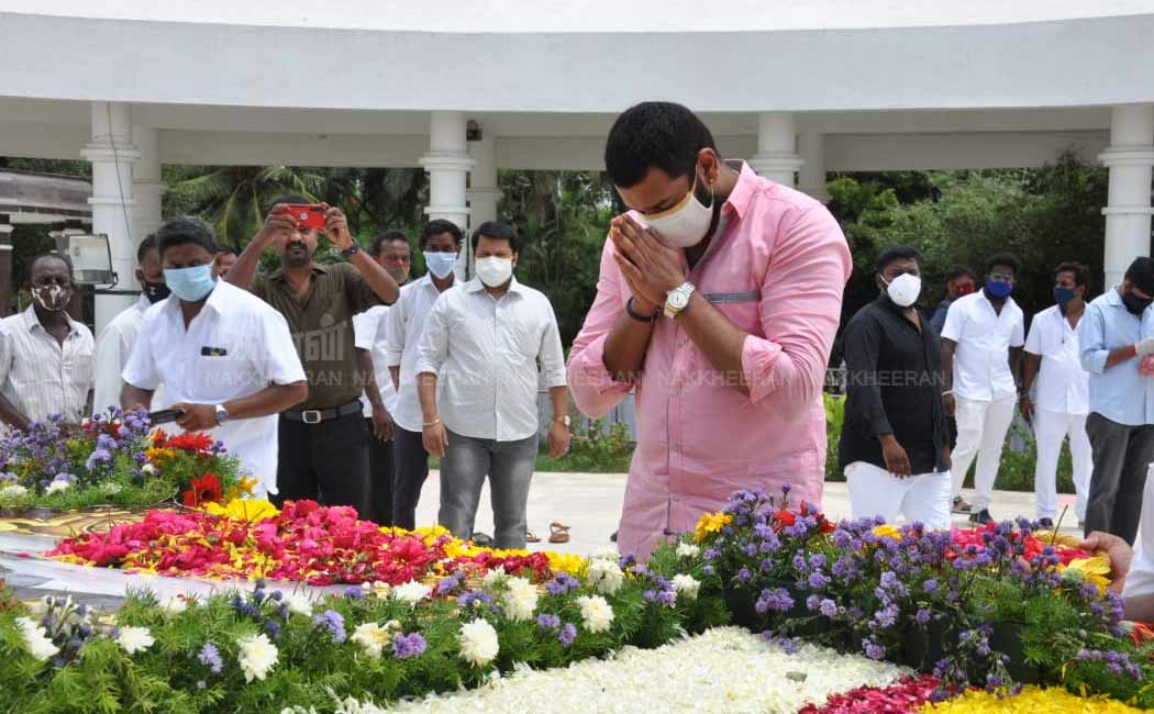 Arulnithi Tribute to the Kalaignar Karunanidhi memorial