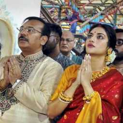 Participated in the Durga Puja   Muslim woman MP denounce is cleric