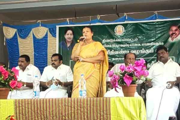 MLA Thenmozhi sekar made vote campaign on government function
