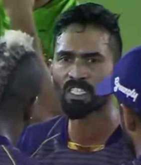 dinesh karthik scolded players in ground