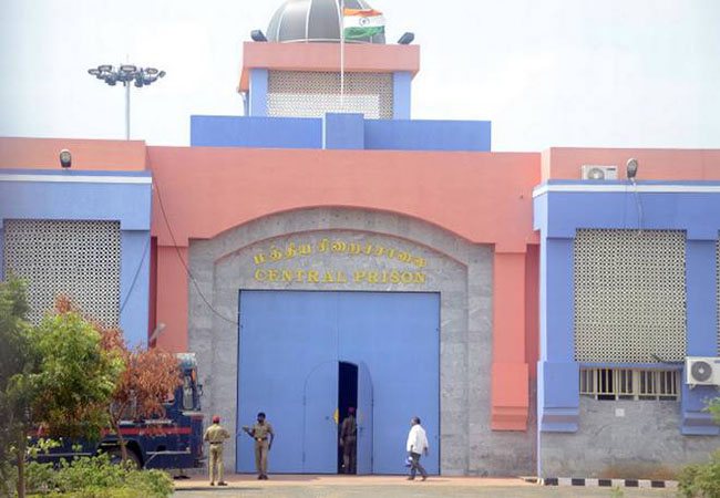 puducherry kalappattu Superintendent of Prison surrender at court