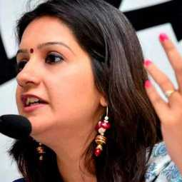 priyanka chathurvedi quits congress