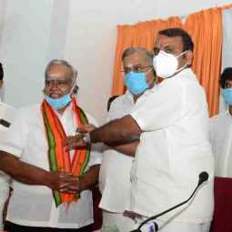 Actor and Director Pyramid Natarajan joined bjp -