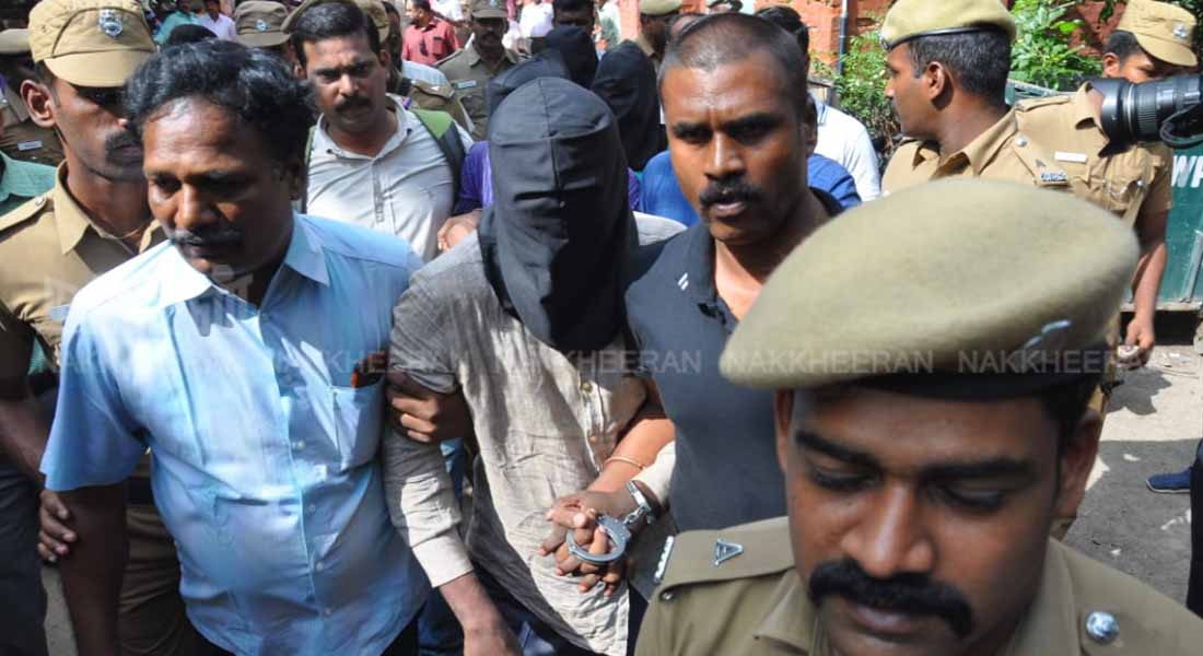 5.78 crore robbery and five more arrested