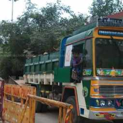 sand lorry seized in ambur