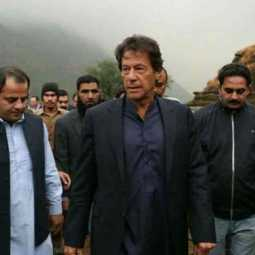 imran khan travels in commercial flight for america trip