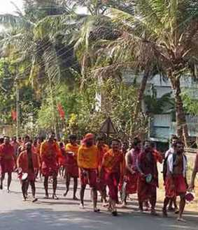 Thousands of devotees in Kumari shivalaya oottam