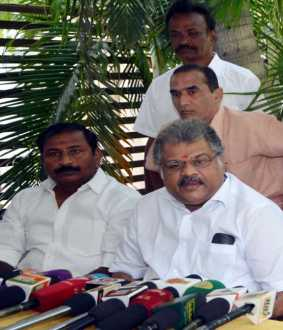 gk vasan mp pressmeet at erode