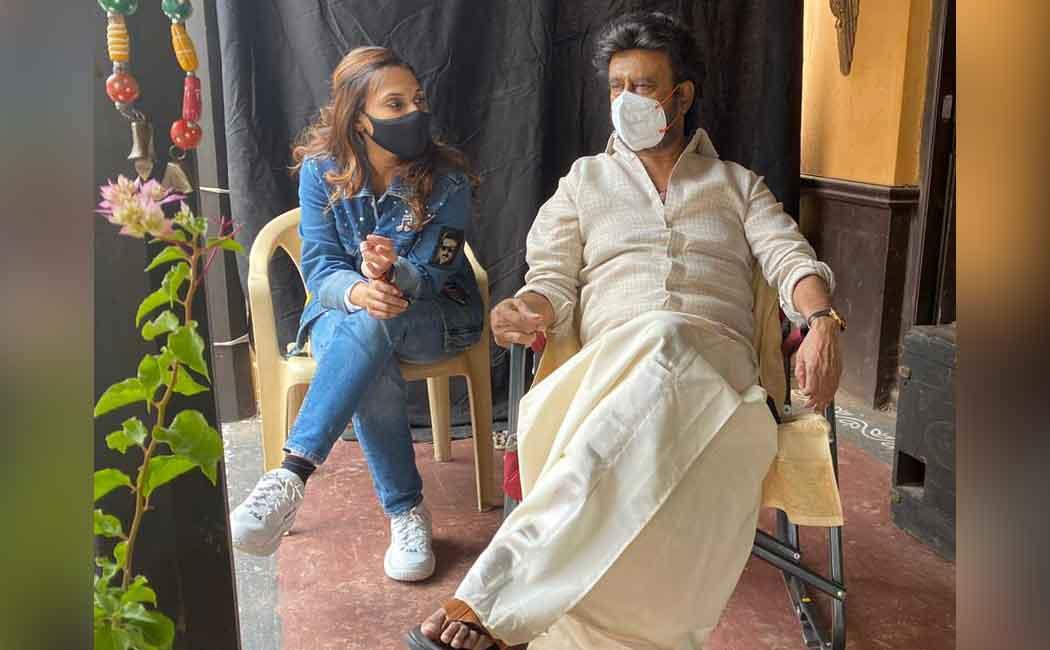 மகளுடன் 'அண்ணாத்த' லுக்கில் ரஜினி! | nakkheeran