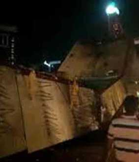5 storey building collapses and crashes