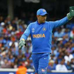dhoni becomes the first wicketkeeper batsman to play in 350 international oneday matches