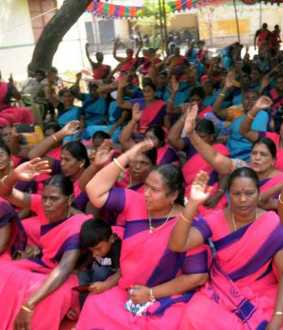 Anganwadi workers' struggle to continue for 3rd day