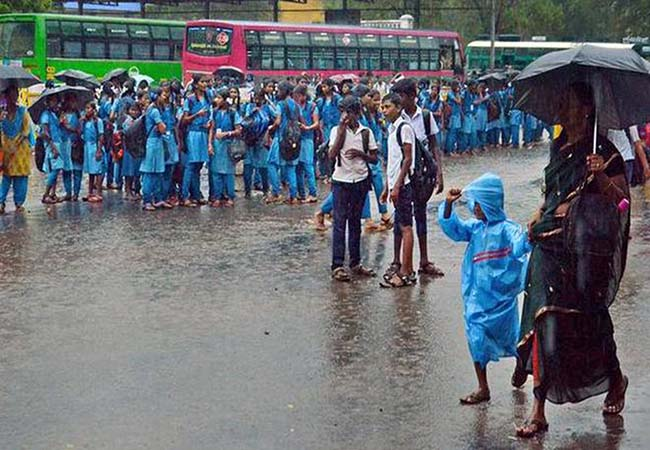 tamilnadu heavy rain coimbatore, kanyakumari, sivagnagai district schools, colleges holiday