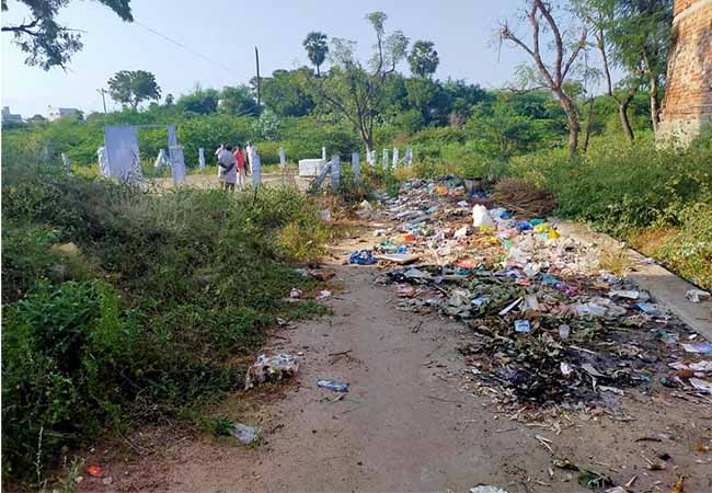 Mahatma Gandhi's ashes in trash did not action district collector office