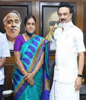 Subhashree Parents - M. K. Stalin Meeting - Velachery Banner issue -