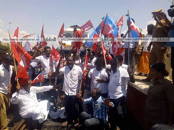 SC in Cuddalore S.D. DPI and Dalit organizations participating in the picket