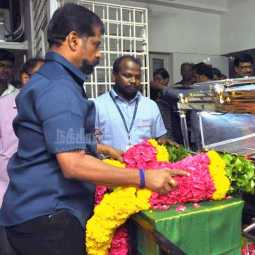Photos of Nakkheeran editor and vairamuthu pay tribute to K Anbazhagan