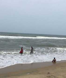 chennai besant nagar beach iit students incident police