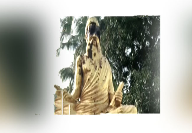 thanjavur district thiruvalluvar statue issue police investigation