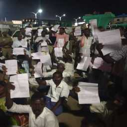 salem to chennai high ways project issue farmers strike at salem old busstand