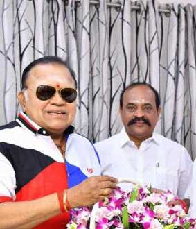 actor radharavi joined in admk