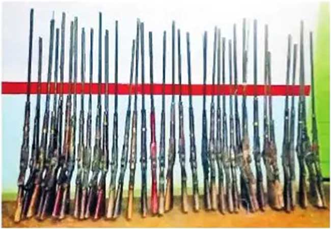 Kolli Hills: 35 fake guns seized; The cops are shocked!