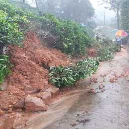 TAMILNADU COIMBATORE HEAVY RAIN AND FLOODED NILGIRIS FULLY AFFECTED